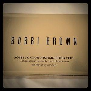 NIB Bobbi Brown Bobbi To Glow Highlighting Trio